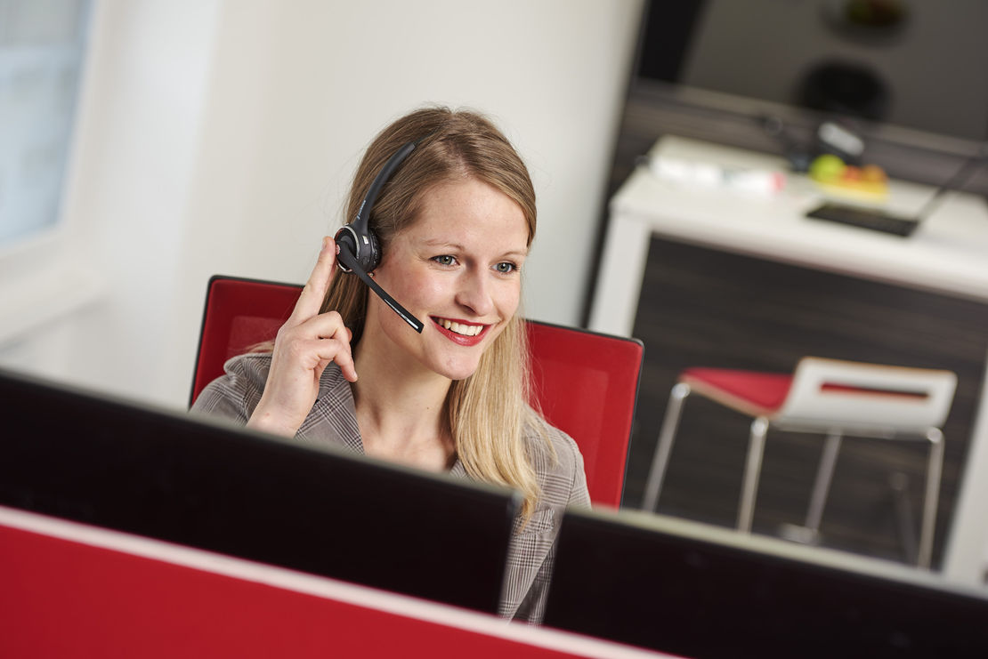 freeVoice Anwendung LifeStyle Bild FBT019M Nimubs II Anwender 9 Office Women